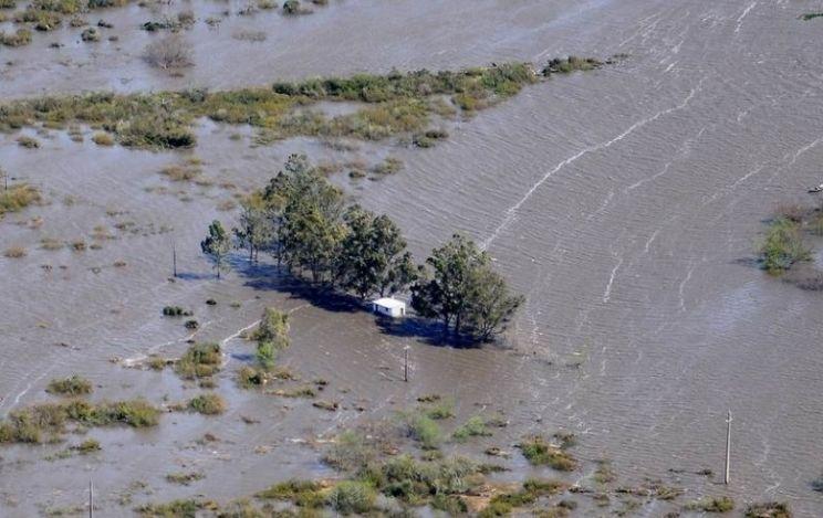 Inundações do Uruguai vistas em imagem de satélite