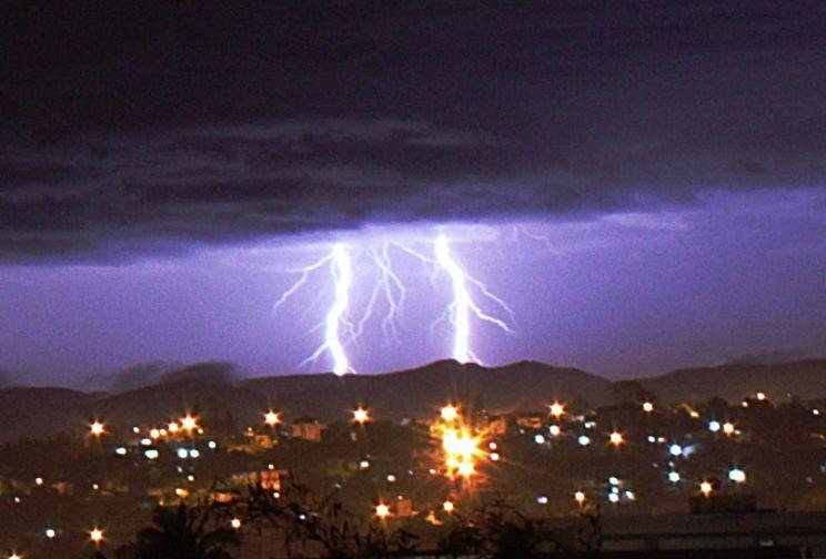 Inverno termina com raios, granizo e chuva intensa no Sul do Brasil