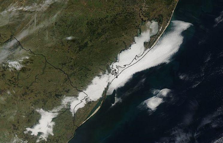 Trilhas de condensação e nevoeiro de advecção no Rio Grande do Sul