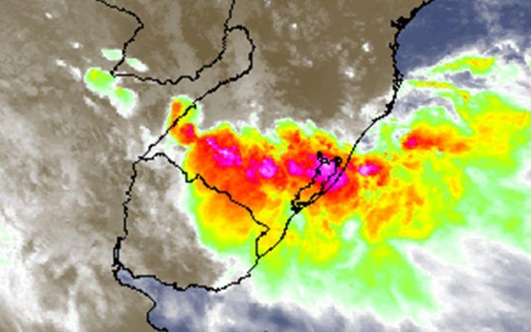 Segunda extremamente problemática de chuva intensa e tempestades