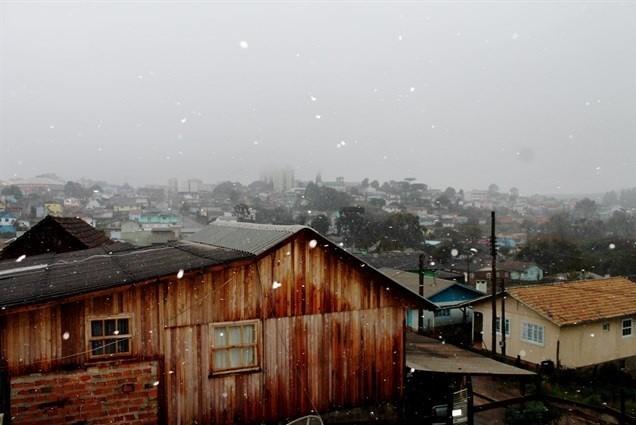Argentina gela do Sul ao Norte e Sul do Brasil volta a ter neve