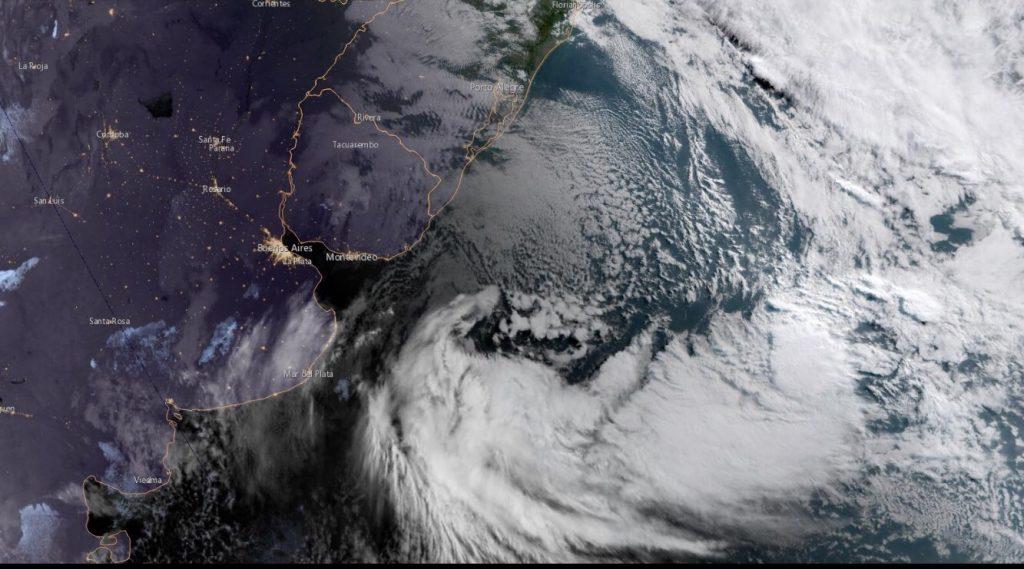 Ciclone responsável por dia ventoso se afasta