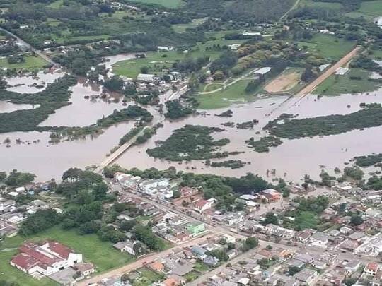 Enchentes e centenas de desabrigados no interior gaúcho