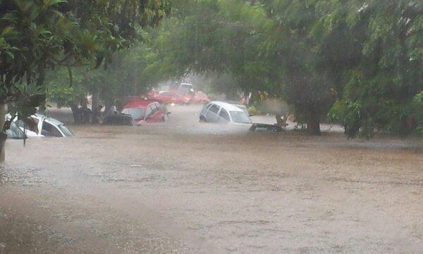 Dilúvios atingem o Estado e mergulham Porto Alegre no caos