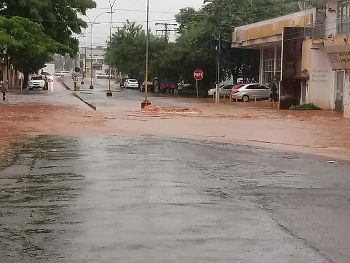 Chuva forte trouxe alagamentos no Norte gaúcho e em Santa Catarina