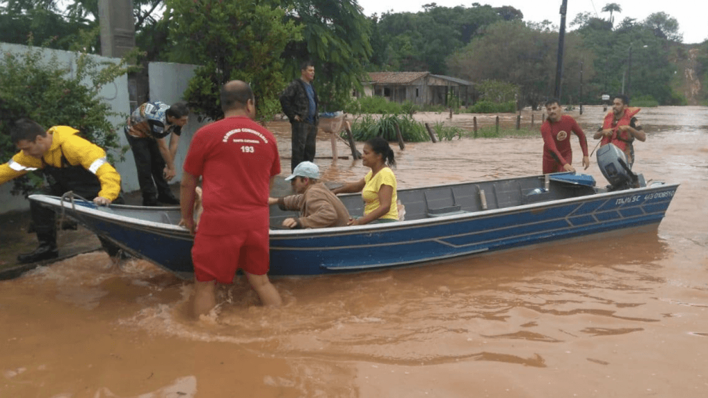 Cidade do litoral catarinense tem quase 300 mm em três dias