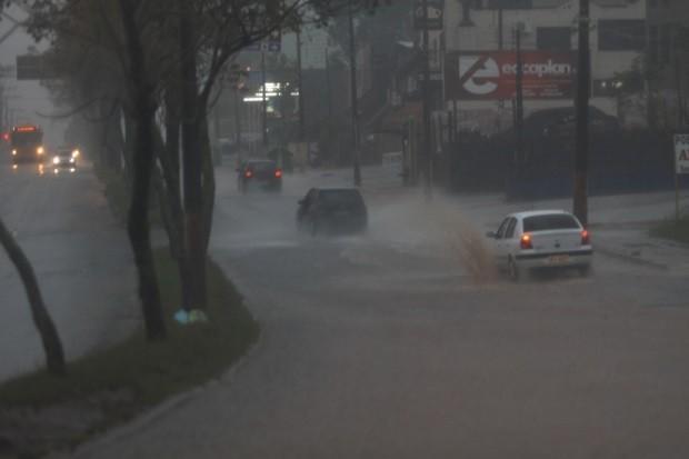 Alerta – Situação deve se agravar neste domingo em Santa Catarina