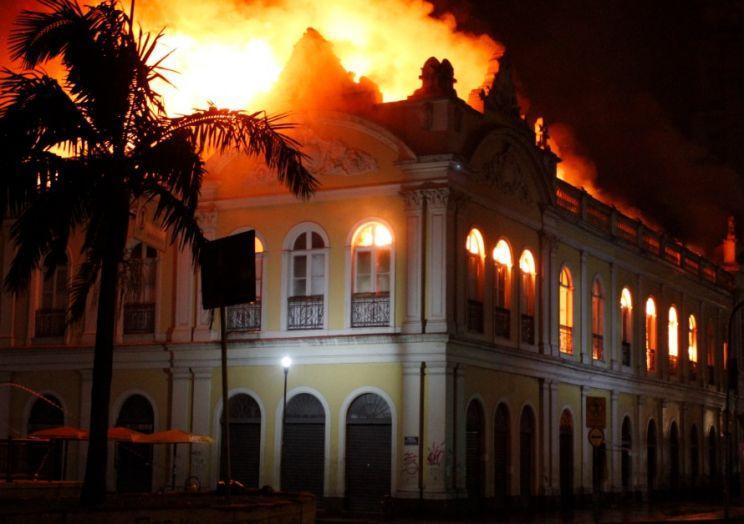 Incêndio no Mercado – Por que a fumaça se espalhou pela cidade ?