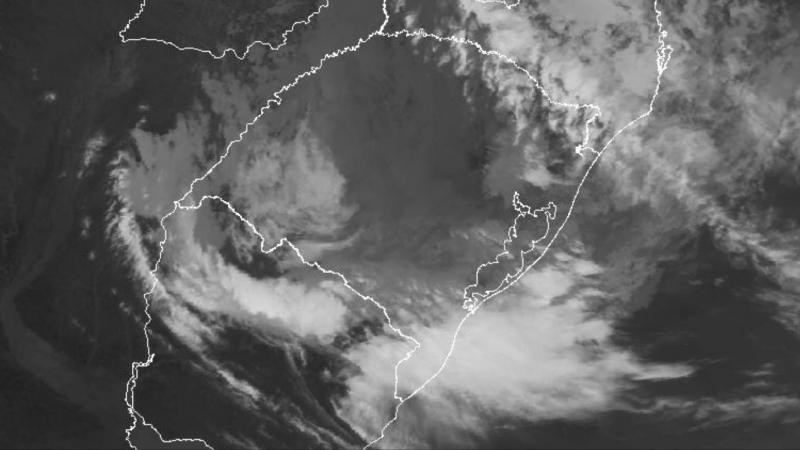 Centro de baixa pressão traz chuva volumosa no Leste gaúcho