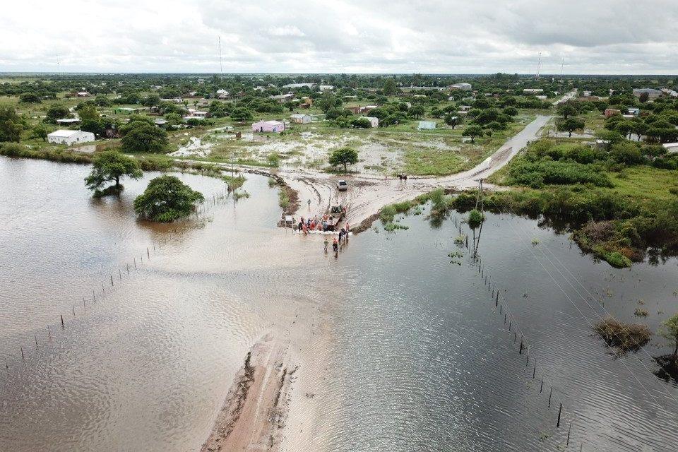 Episódio de chuva extrema provoca mortes e enchentes na Argentina