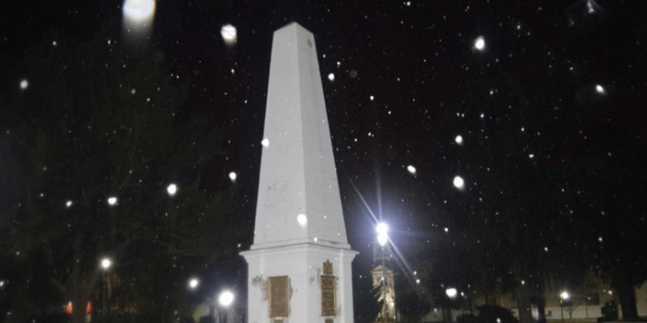 Neve pela primeira vez em 42 anos em capital provincial argentina