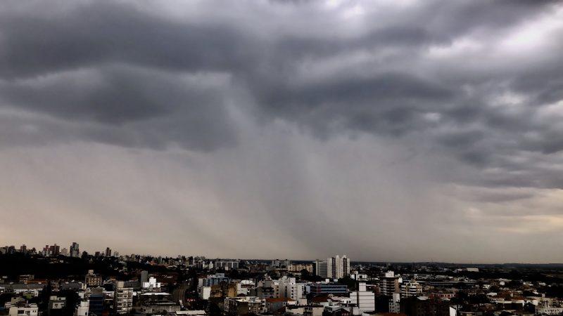 Chuva de um mês em cinco dias na Grande Porto Alegre?