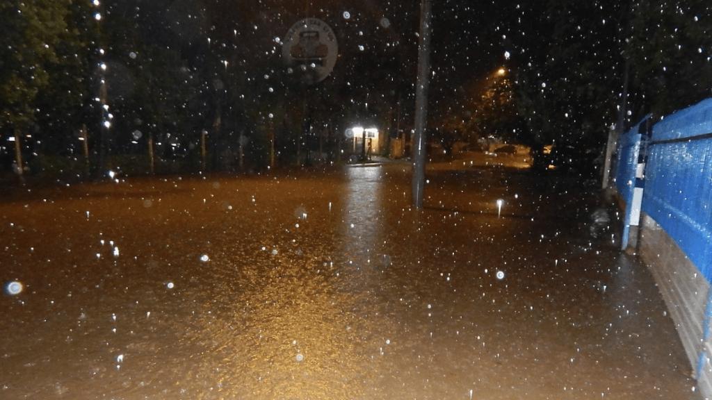 Grande Porto Alegre registra mais de 100 mm e alagamentos