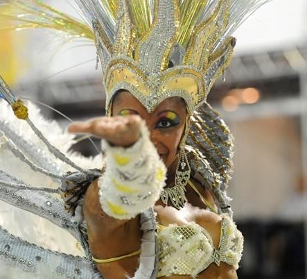 Carnaval será marcado por sol, tempo abafado e pancadas de chuva