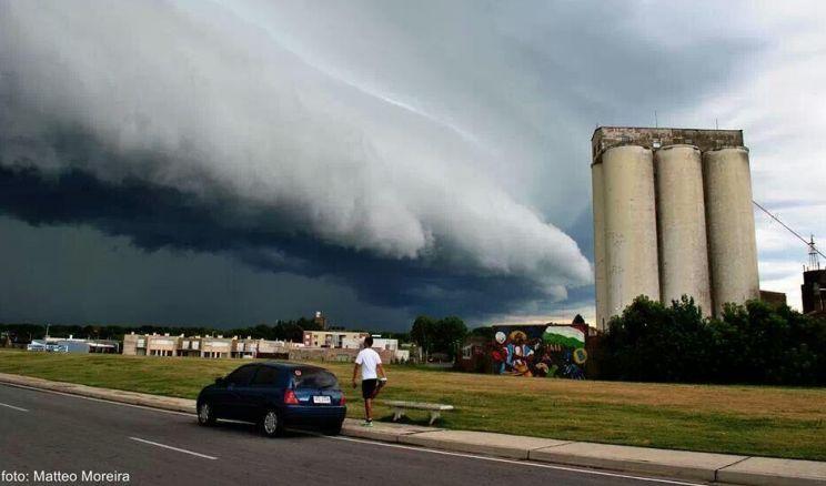 Tormentas severas atingem cidades do vizinho Uruguai