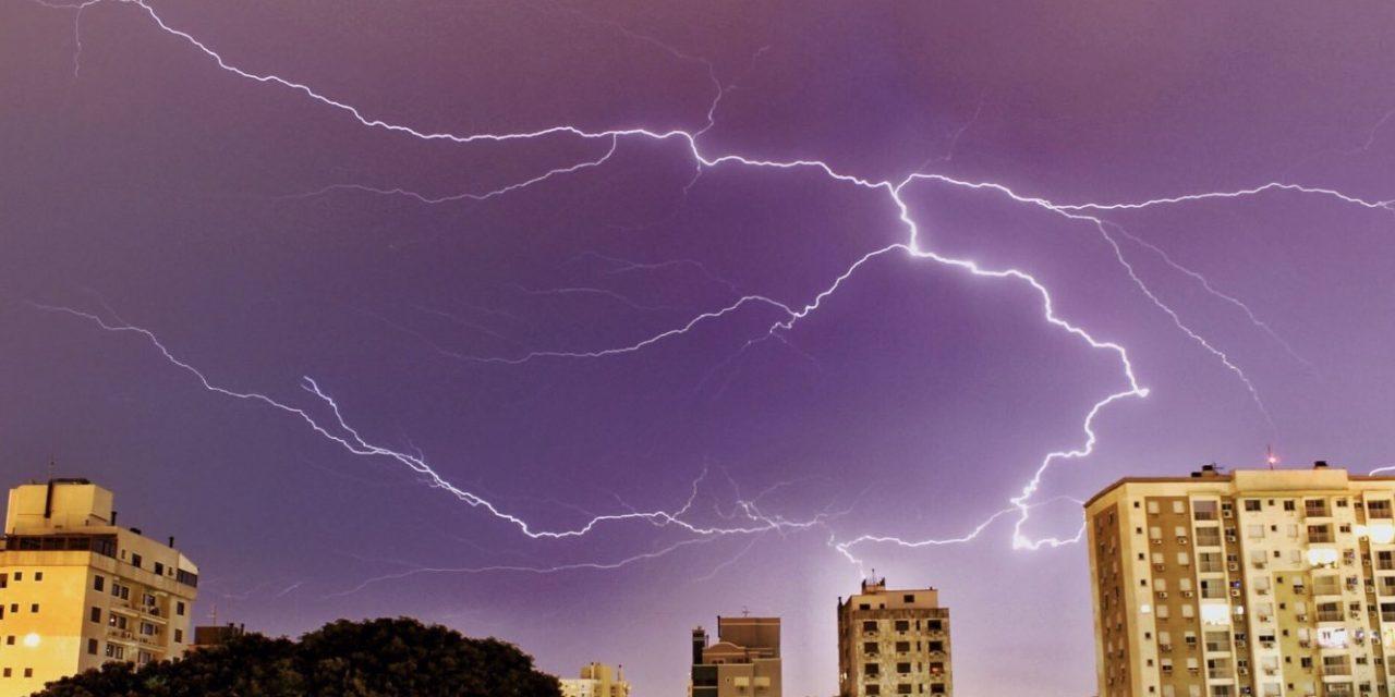 Calor extremo será seguido por tempestades e chuva excessiva