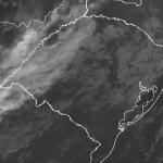 Oeste gaúcho tem chuva em segunda-feira de muito calor no Estado