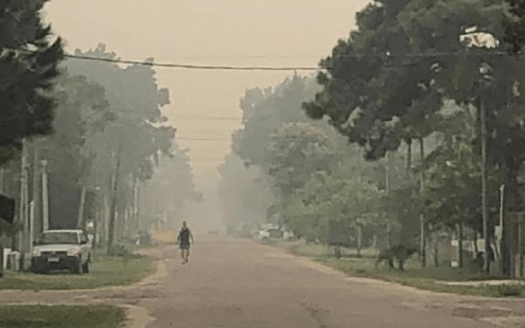 Incêndio no Uruguai cobre de fumaça cidades do Sul gaúcho