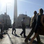 Intenso calor castiga Buenos Aires