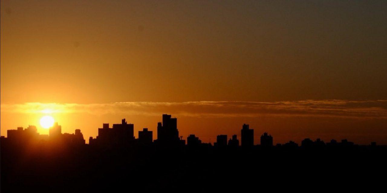 Ar muito quente cobre a parte central da América do Sul
