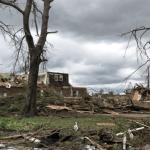Quase 80 tornados e mais de 30 mortos em poucas horas