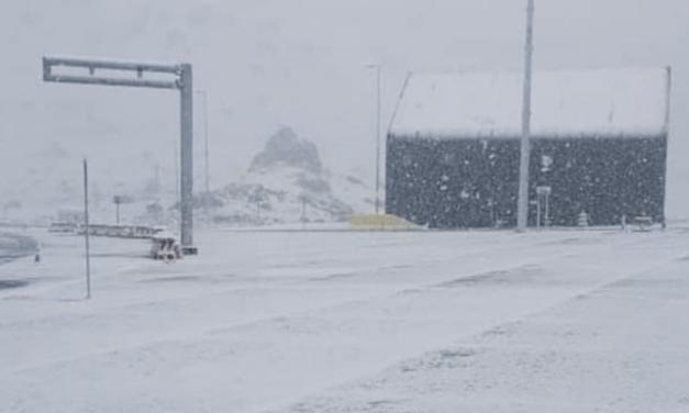 Ar frio que ruma pro Sul do Brasil traz nevada na Argentina