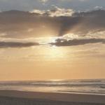 Dia de praia no sábado que marca o começo do inverno