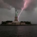 O incrível vídeo dos raios na cidade de Nova York