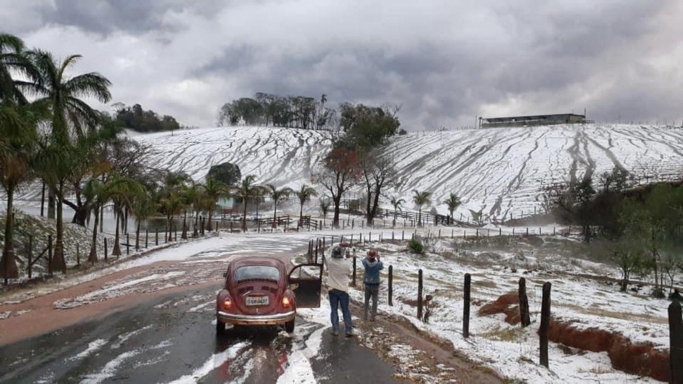 Impressionante tempestade de granizo no Sul de Minas Gerais