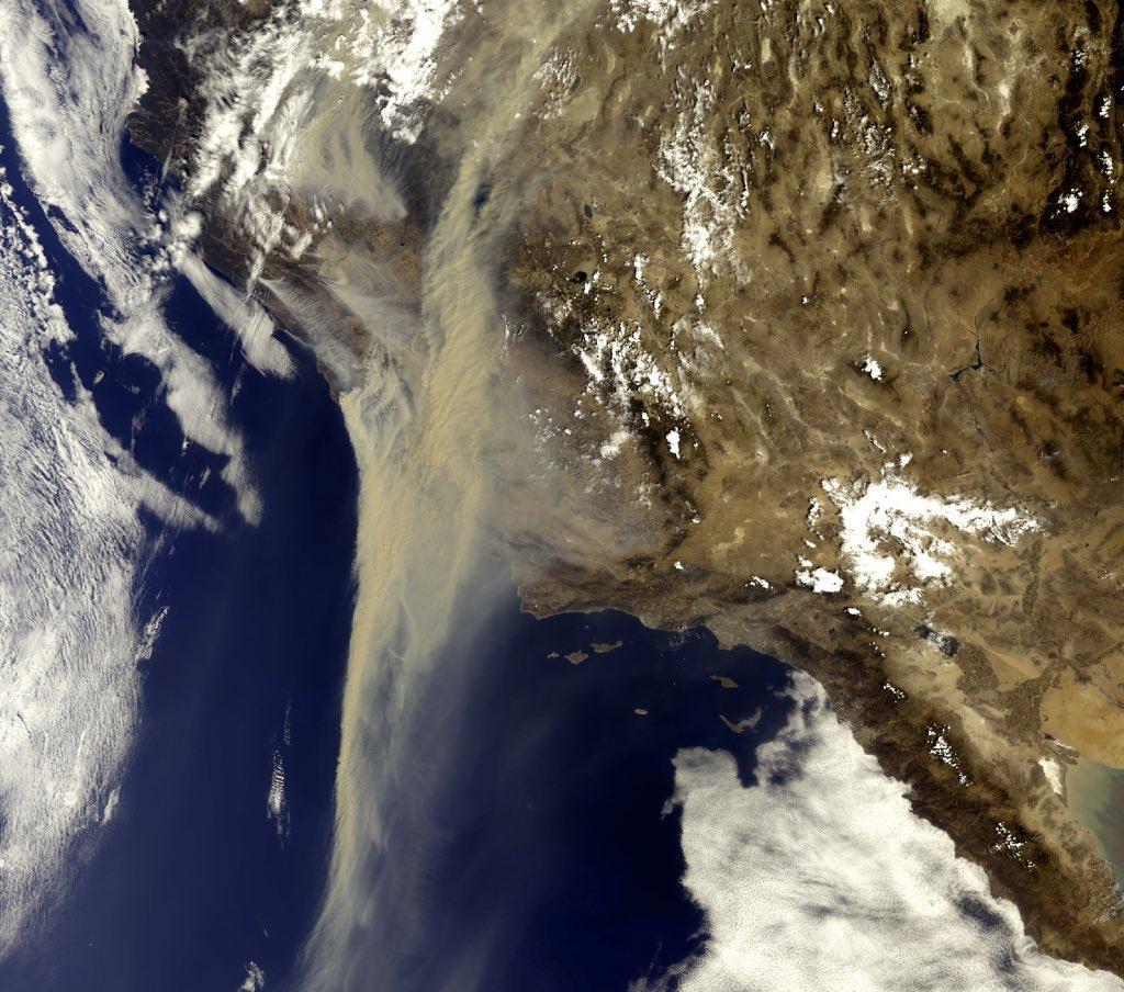 Inferno na Califórnia – Centenas de incêndios, milhares de raios e 54°C