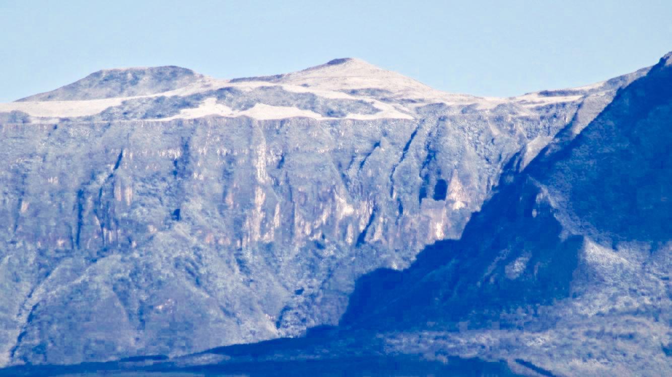As lindas imagens com os picos nevados em Santa Catarina