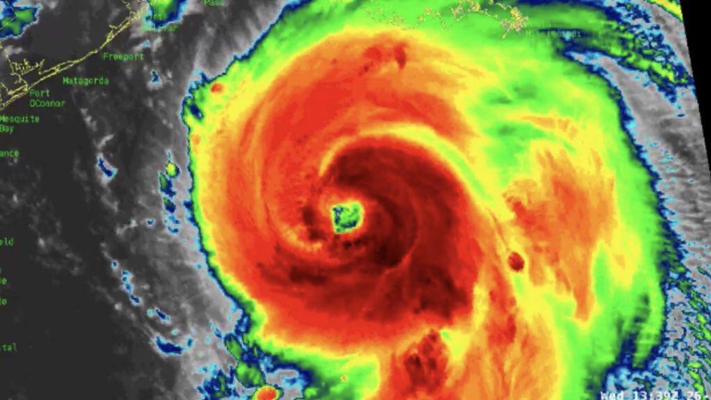 """Furacão """"potencialmente catastrófico"""" avança para os Estados Unidos"""