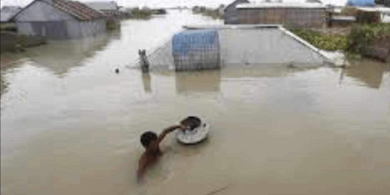 Inundações deixam um quarto de Bangladesh sob as águas