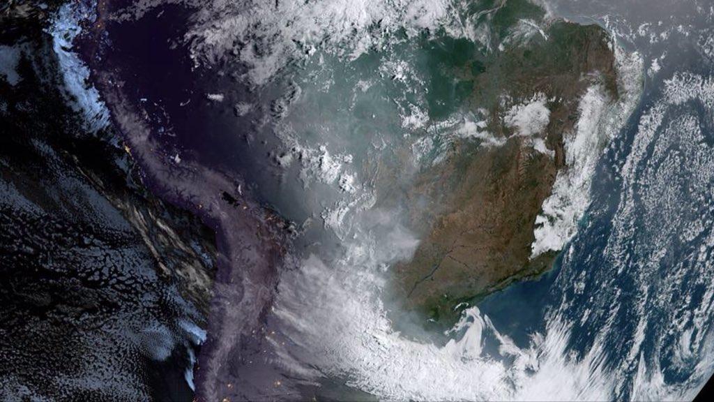 Fumaça de queimadas cobre 6 milhões de quilômetros quadrados