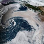 Ciclone de fumaça espanta meteorologistas