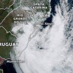 Ciclone trouxe falta de luz e alagamentos no Leste gaúcho