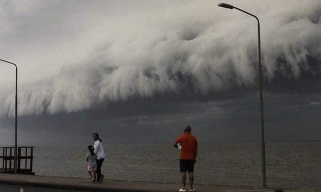 Temporais com vento de quase 100 km/h na fronteira gaúcha