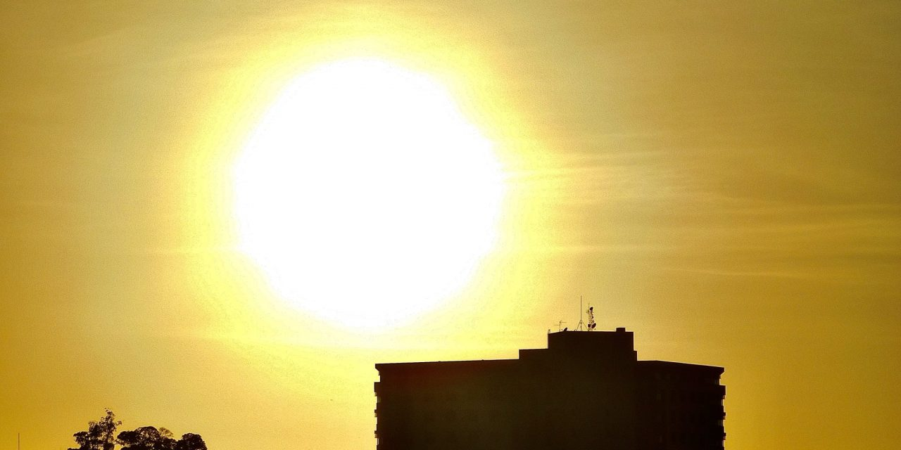 """<span class=""""entry-title-primary"""">Previsão do tempo – Calor de 40°C nesta terça no RS</span> <h2 class=""""entry-subtitle"""">Regiões de Uruguaiana e o Noroeste serão as mais quentes do Estado </h2>"""