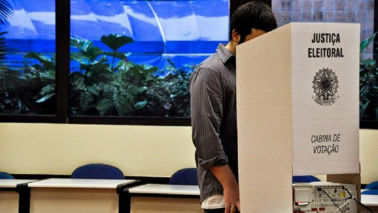 """<span class=""""entry-title-primary"""">Eleições 2020 – O tempo no domingo em todo o Brasil</span> <h2 class=""""entry-subtitle"""">Pancadas de chuva são esperadas em todas as regiões do país com calor e abafamento </h2>"""