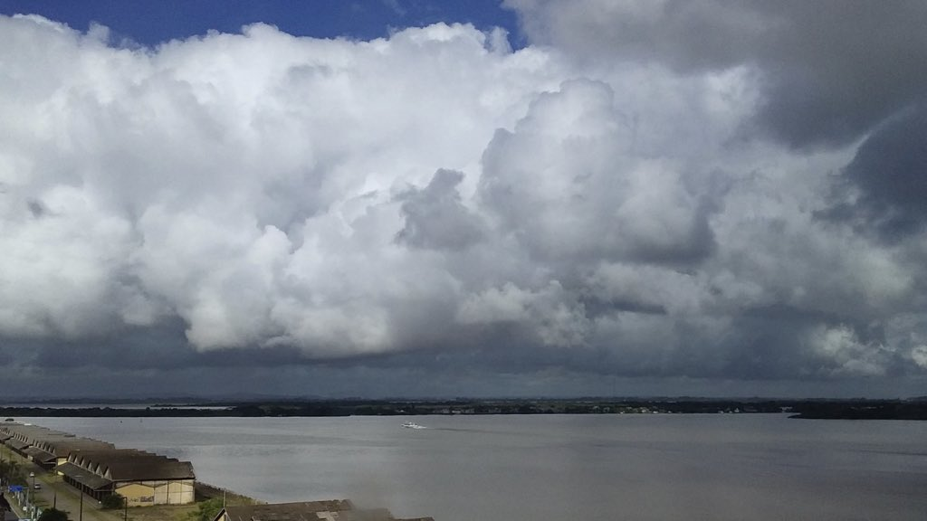 """<span class=""""entry-title-primary"""">Porto Alegre tem chance de chuva nesta quarta-feira</span> <span class=""""entry-subtitle"""">Instabilidade avança do mar para o Leste do Rio Grande do Sul </span>"""