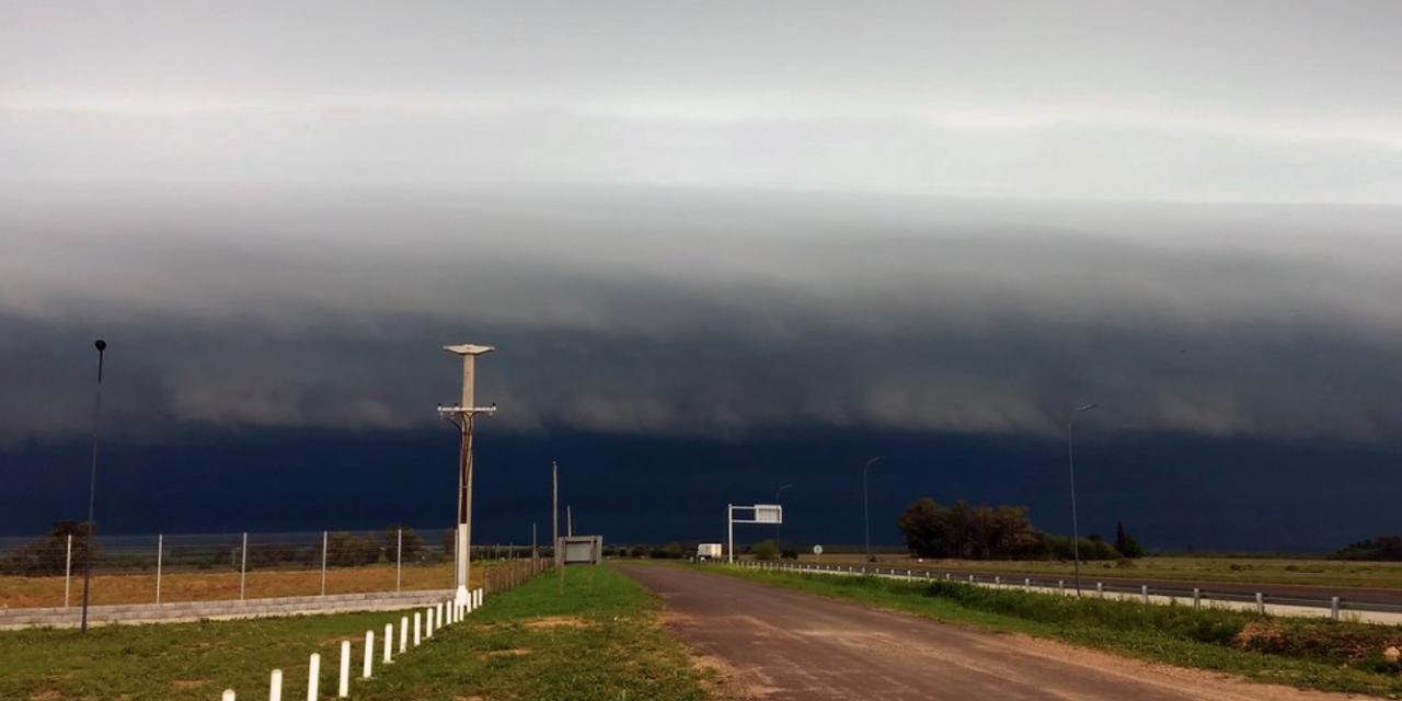 "<span class=""entry-title-primary"">Poderosa linha de tempestades na Argentina e Uruguai</span> <span class=""entry-subtitle"">Tempestades vão avançar para o Rio Grande do Sul no sábado </span>"