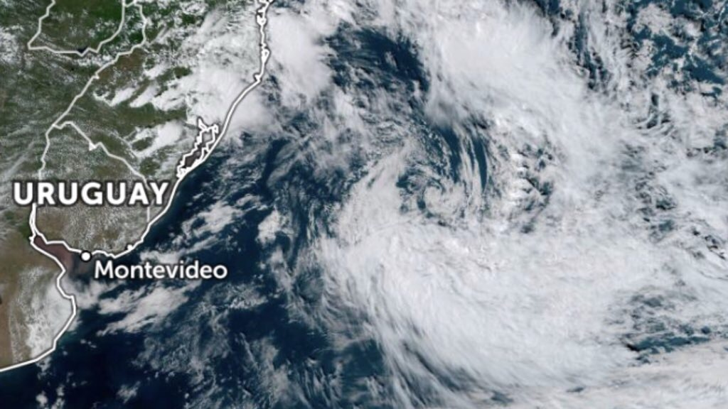 """<span class=""""entry-title-primary"""">Ciclone subtropical se forma na altura do litoral gaúcho</span> <span class=""""entry-subtitle"""">Depressão tropical pode passar a ser tempestade subtropical nesta noite </span>"""