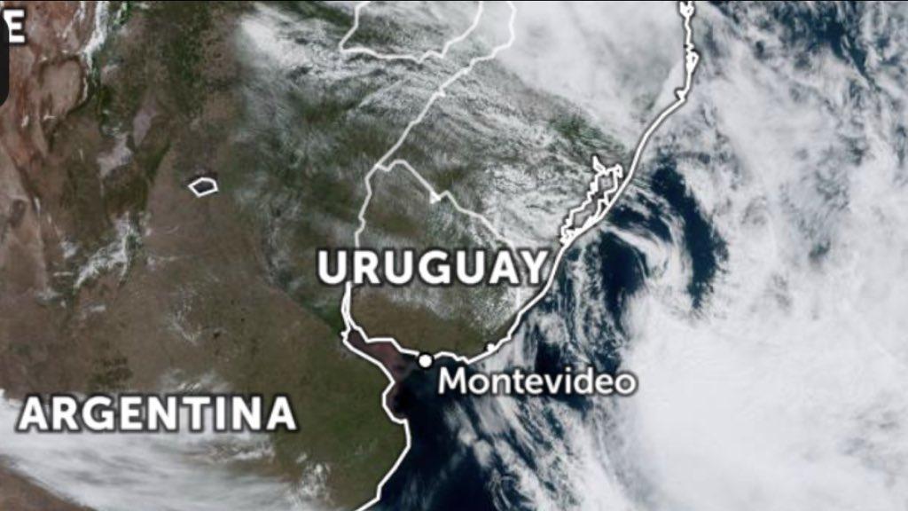 "<span class=""entry-title-primary"">Ciclone extratropical se forma na costa gaúcha</span> <h2 class=""entry-subtitle"">Sistema deixa o tempo ventoso no Sul e no Leste do Rio Grande do Sul </h2>"