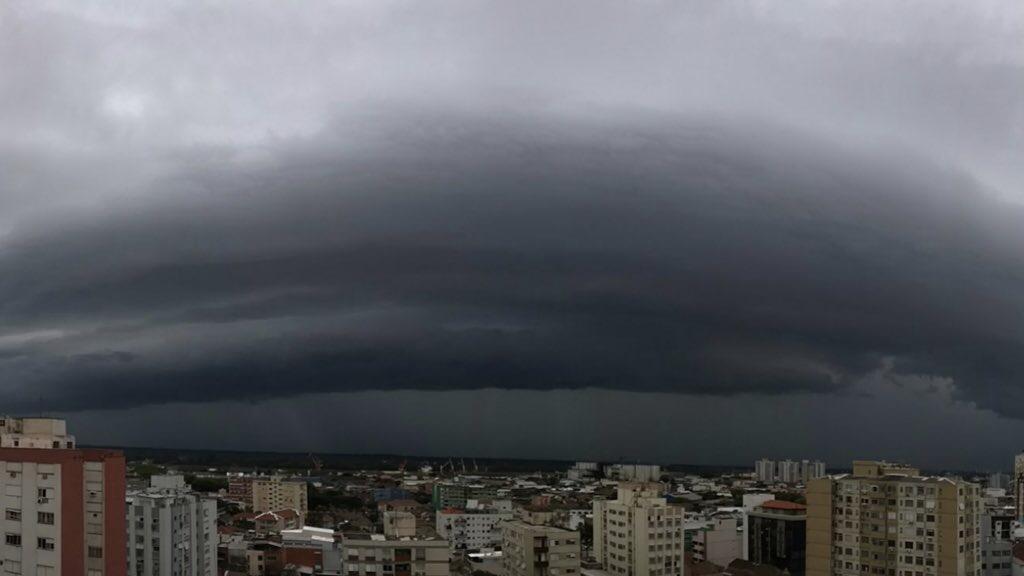 """<span class=""""entry-title-primary"""">**ALERTA** Fim de semana de temporais no Sul do Brasil</span> <h2 class=""""entry-subtitle"""">Tempestades isoladamente serão fortes a severas com potencial de danos </h2>"""