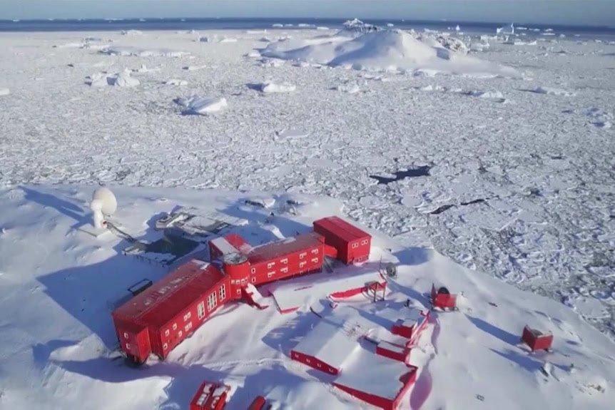 """<span class=""""entry-title-primary"""">A pandemia chegou à Antártida</span> <span class=""""entry-subtitle"""">Único continente até então livre do vírus registra o seu primeiro surto </span>"""