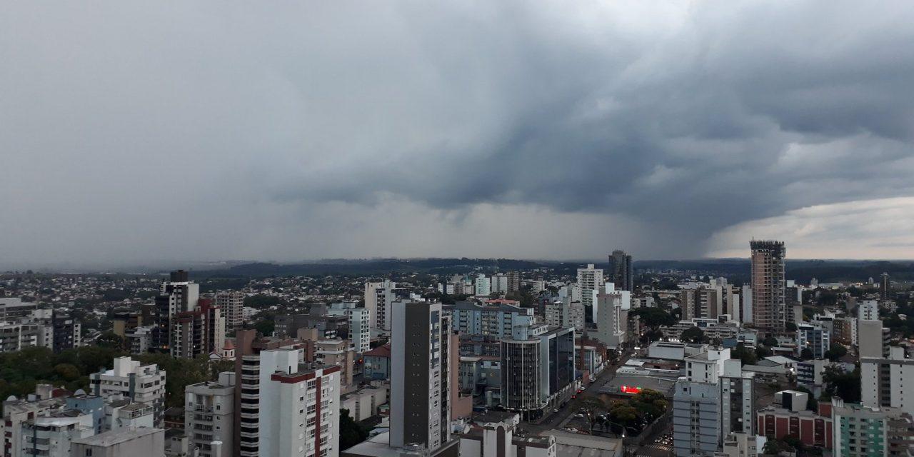"""<span class=""""entry-title-primary"""">Quais as regiões de maior risco nesta quinta-feira</span> <h2 class=""""entry-subtitle"""">Instabilidade persiste no Sul do Brasil e se espera chuva isoladamente forte a intensa </h2>"""