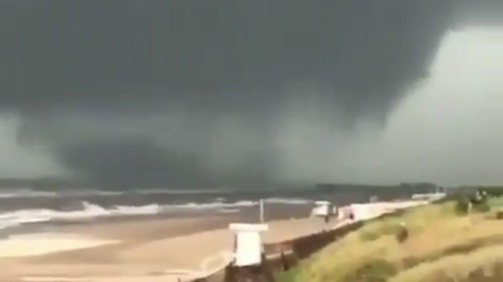 """<span class=""""entry-title-primary"""">Tornados e chuva de quase 300 mm na Argentina</span> <span class=""""entry-subtitle"""">Costa Atlântica da província argentina de Buenos Aires foi a região mais atingida </span>"""