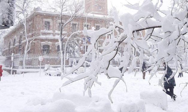 Madrid colapsa e vive emergência com a nevasca do século