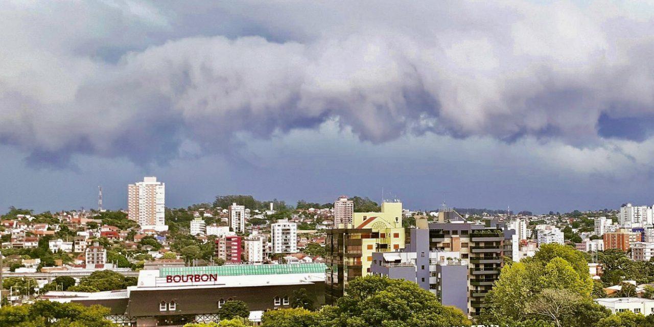 """<span class=""""entry-title-primary"""">Vendaval e chuva forte na Grande Porto Alegre</span> <span class=""""entry-subtitle"""">Rajadas ficaram perto de 90 km/h no começo da tarde deste sábado </span>"""