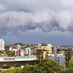 Vendaval e chuva forte na Grande Porto Alegre